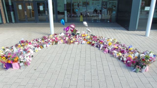 Julia blackham floral tributes